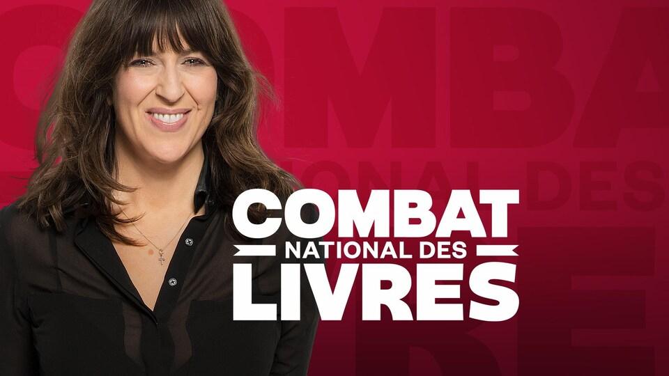 Marie-Louise Arsenault, souriante, avec l'inscription « Combat national des livres ».