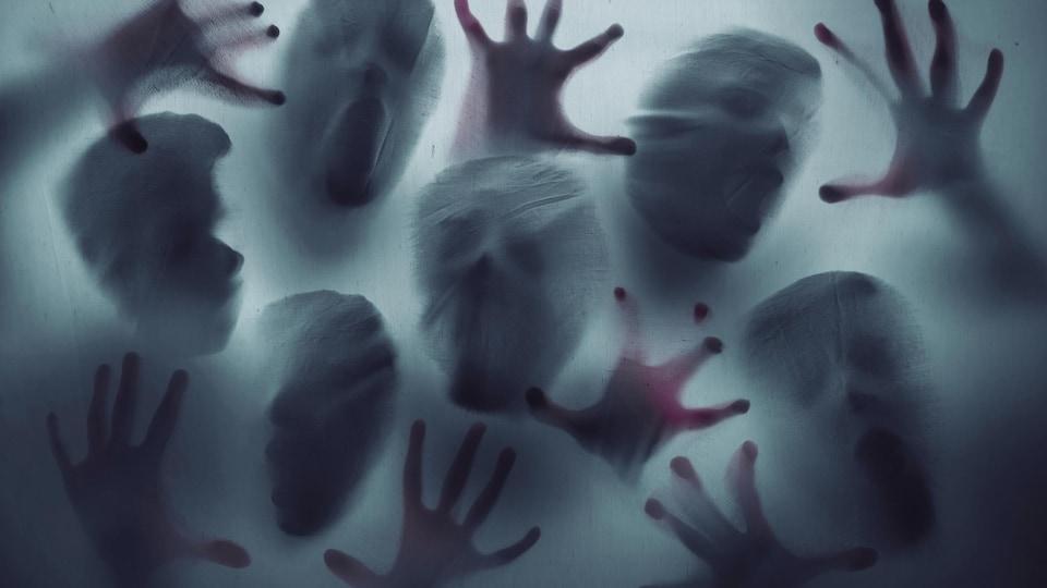 Des fantômes qui crient.