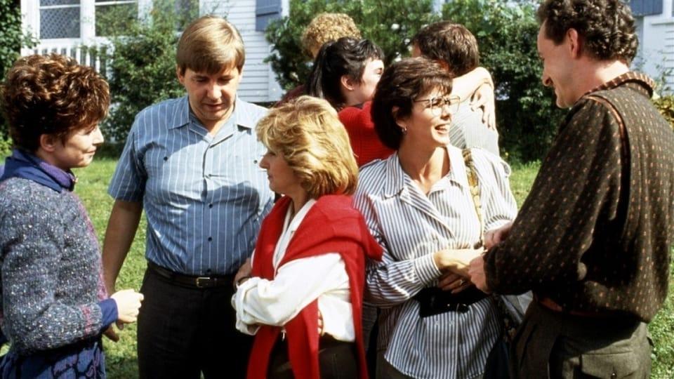 Dorothée Berryman, Rémy Girard, Dominique Michel, Louise Portal et Yves Jacques dans <i>Le déclin de l'empire américain</i> (1986), de Denys Arcand
