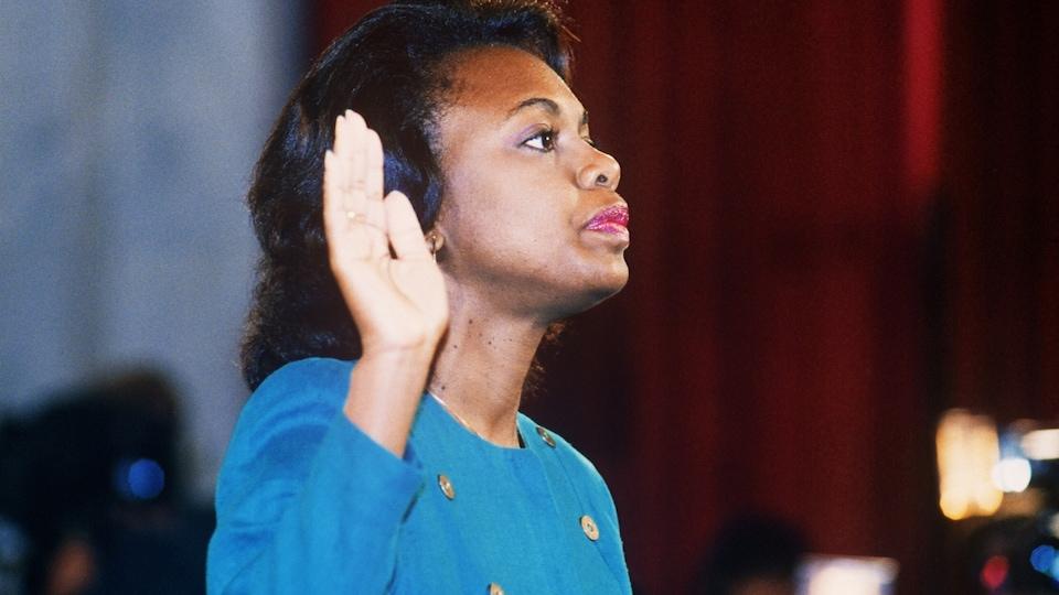 Anita Hill témoigne devant le Sénat américain contre Clarence Thomas le 12 octobre 1991.