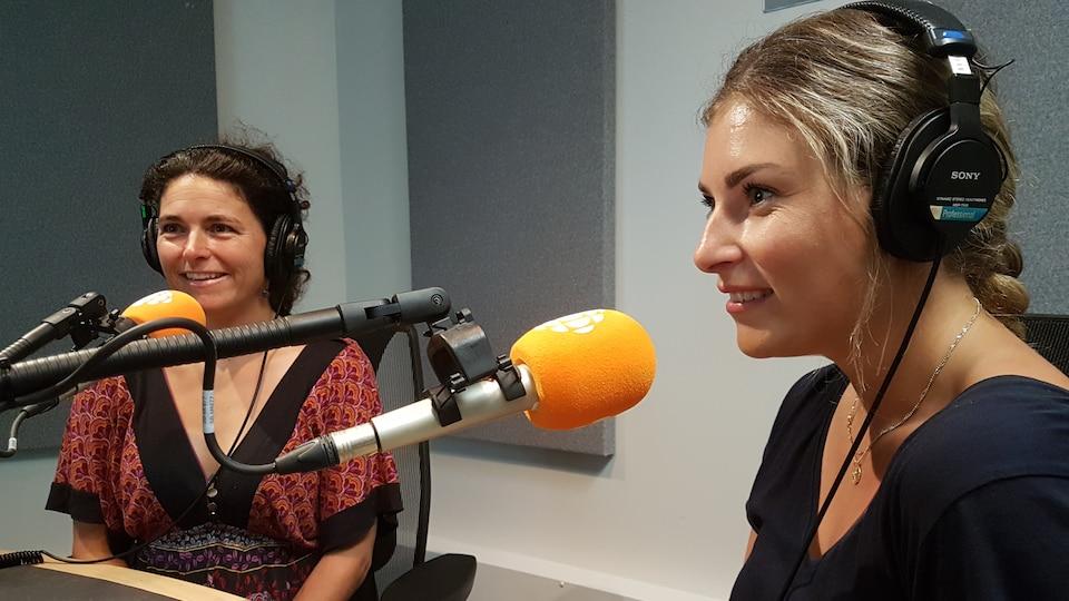 La psychologue Marie-Josée Marois et l'agente de rétablissement Ariane Pichet du groupe de jeunes entendeurs de voix