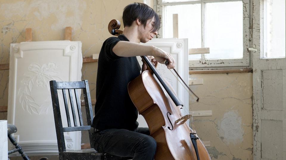 Le violoncelliste Rémy Bélanger