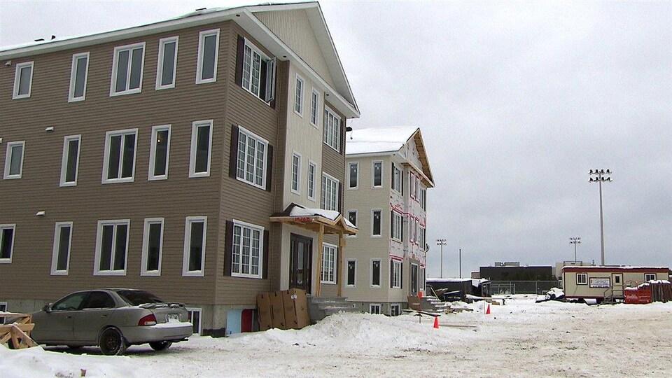 Les résidences pour étudiants sur le terrain du Cégep de Sept-Îles.