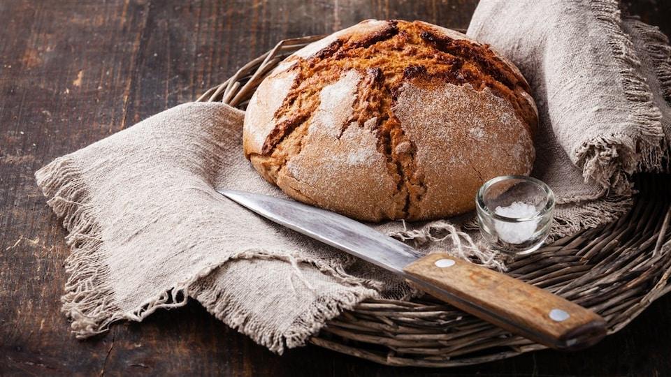 Le pain est l'aliment de base traditionnel de nombreuses cultures.