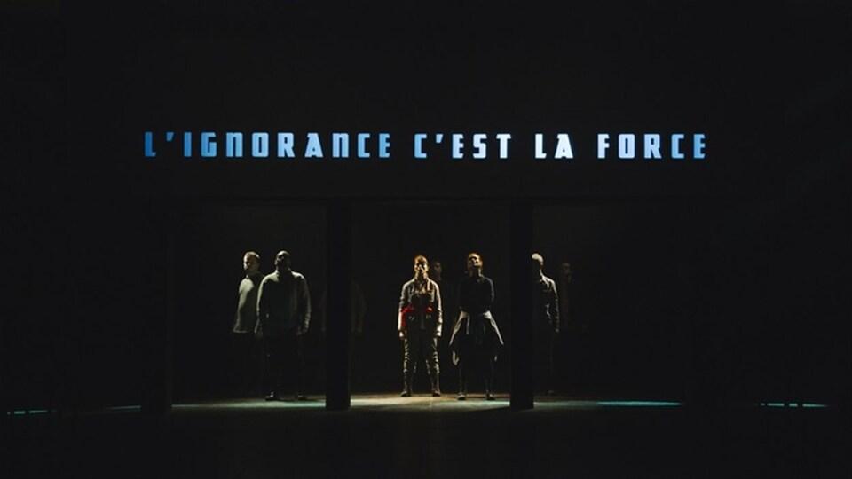 Image de la pièce de théâtre 1984 au théâtre Denise Pelletier.
