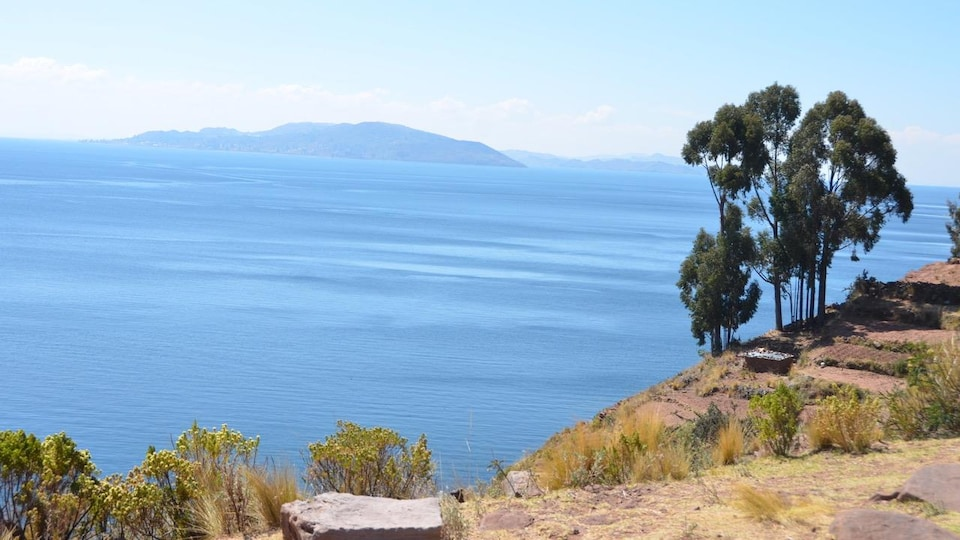 Photo du lac Titicaca prise par le journaliste scientifique Yanick Villedieu.