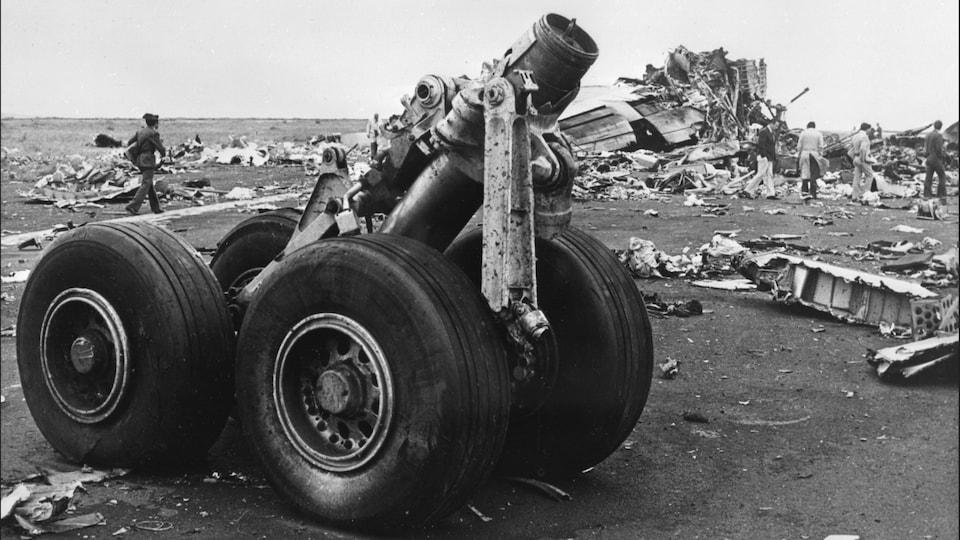 Débris photographiés après l'accident aérien de Tenerife en 1977