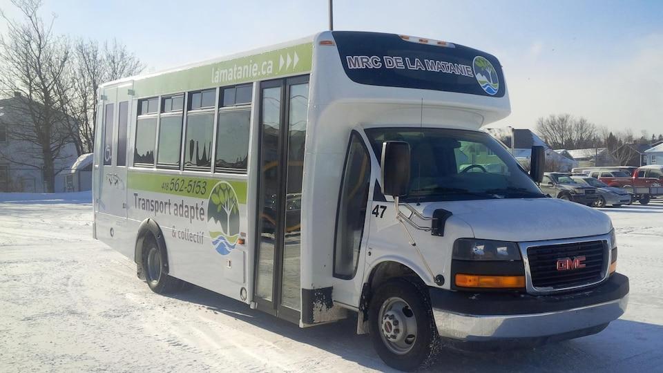 Un autobus de la MRC de la Matanie