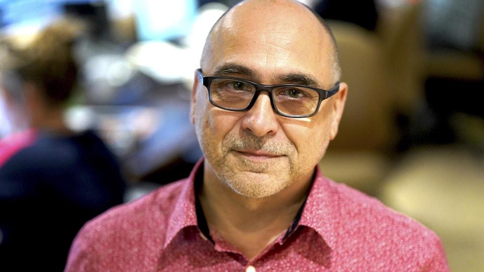 André Ducharme dans le studio 17 de Radio-Canada.