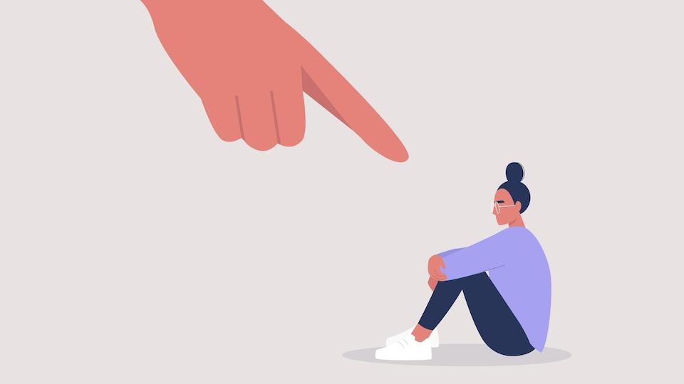 Illustration d'une femme seule qui se fait pointer du doigt.