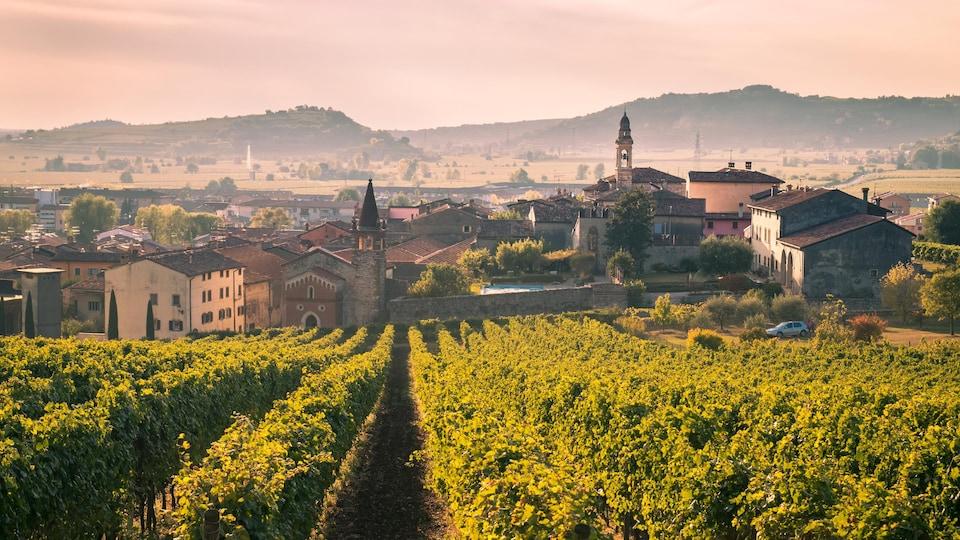 Une vue de la commune de Soave, dans le nord de l'Italie