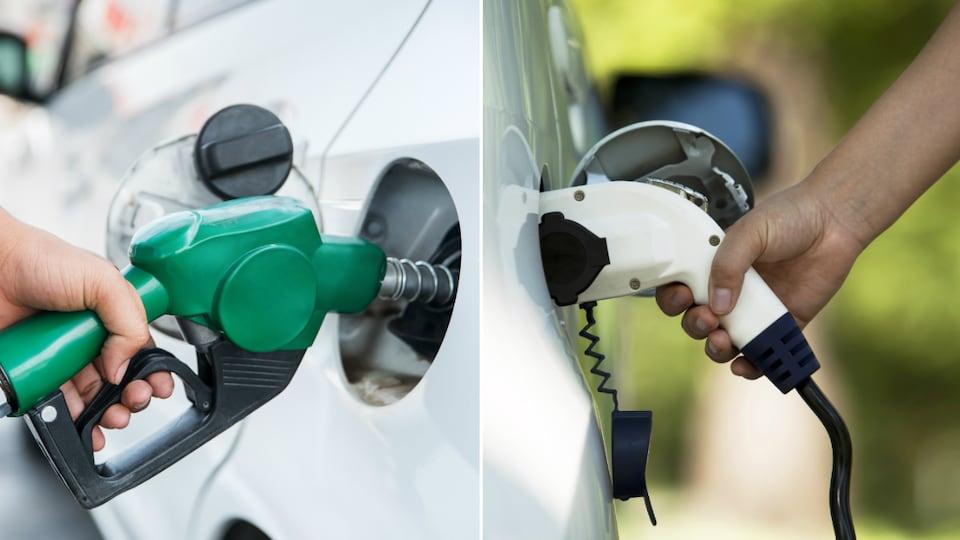 Une voiture conventionnelle fait le plein au poste d'essence et une voiture électrique à la borne de recharge.