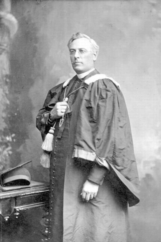 Henri-Raymond Casgrain.