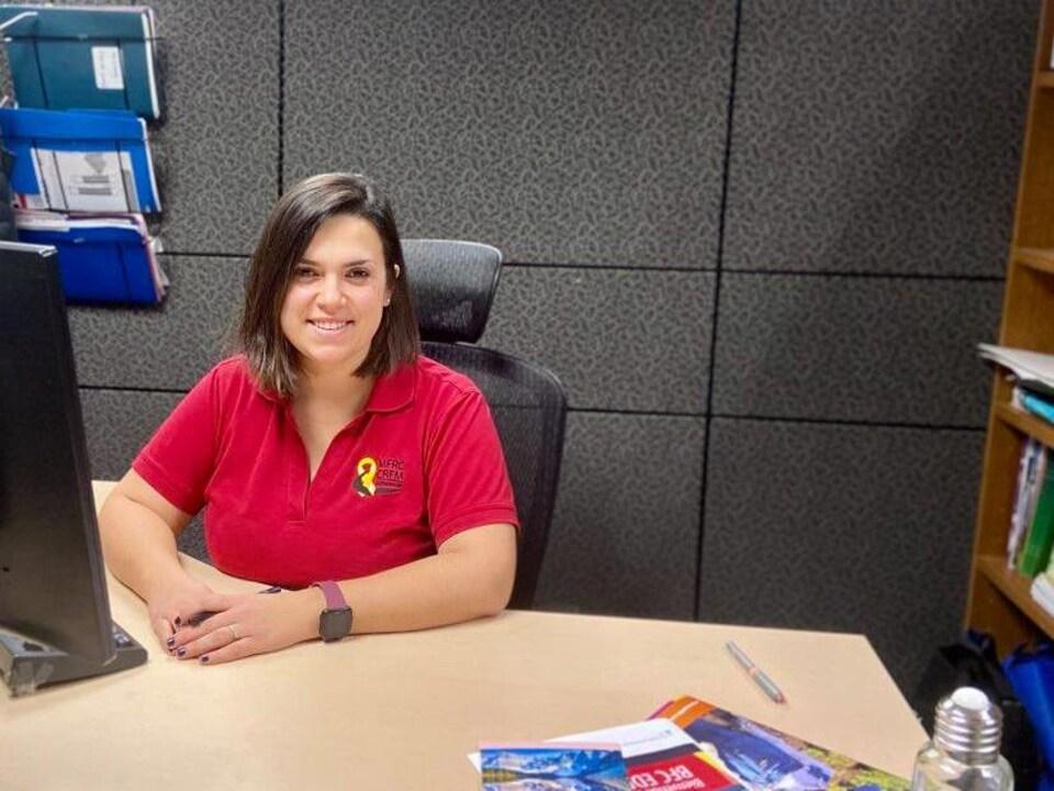Myriam Frenette dans un bureau.