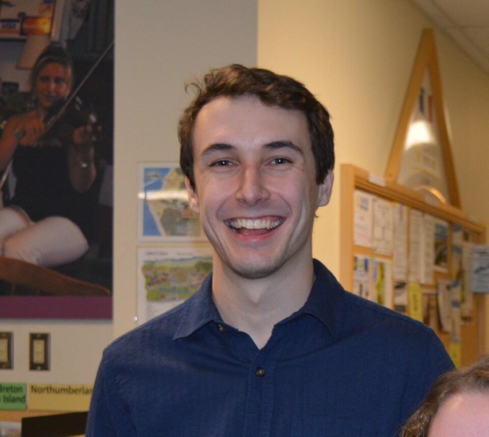 Chad Comeau, traducteur et concepteur de jeux vidéos.