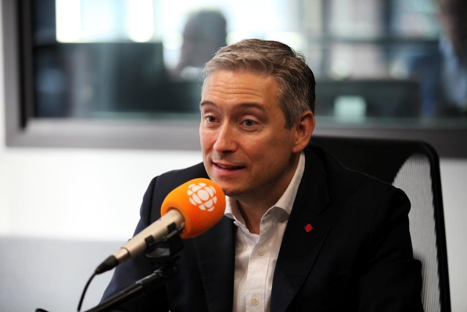 François-Philippe Champagne en studio
