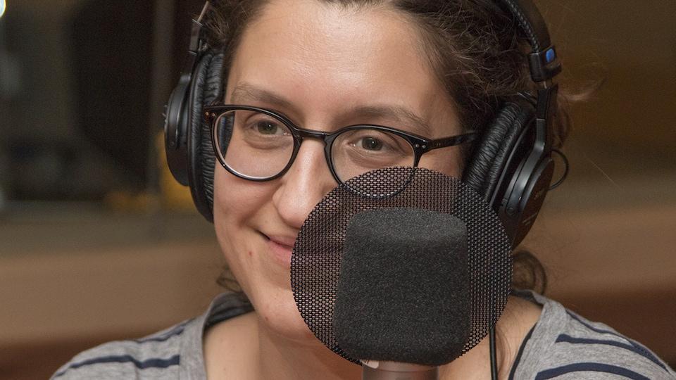 Catherine Léger au micro de Stéphan Bureau.