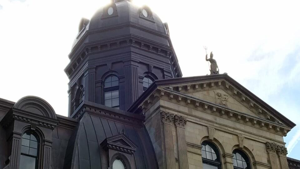 L'édifice de l'Assemblée législative à Fredericton, au N.-B.