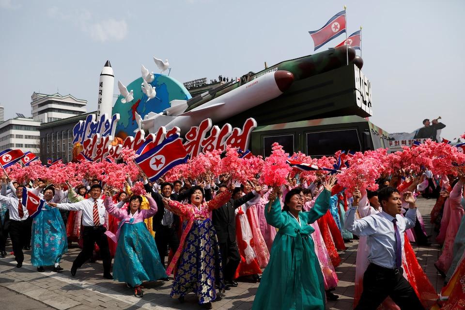 Une parade militaire soulignant le 105e anniversaire de naissance du fondateur de la Corée du Nord, Kim Il-sung, le 15 avril 2017.