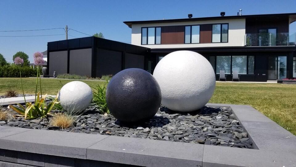 La compagnie Art ciment décoration de Sylvain Bolduc se spécialise dans les éléments de décor en ciment et en béton.