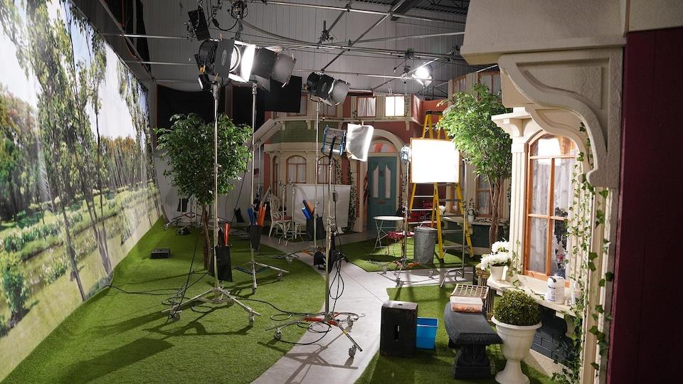 Le plateau de la série « Famille magique ».