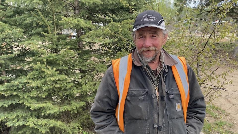 Gordon Olson, l'un des propriétaire de Smokey Lake Treeplanting.