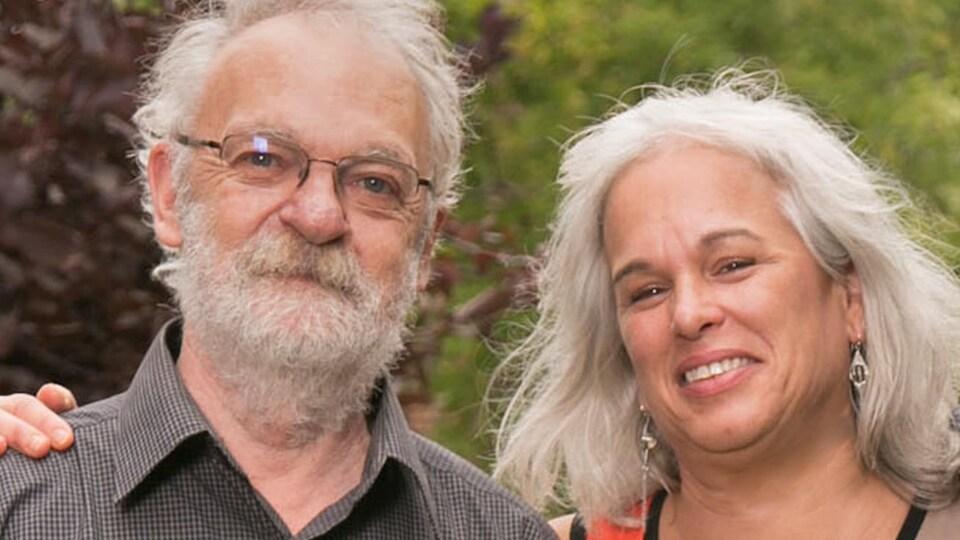 Lucie Pagé et Claude Marcil côte à côte.