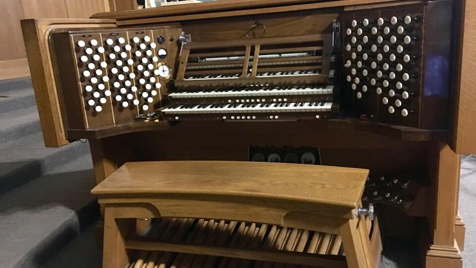 Un orgue.
