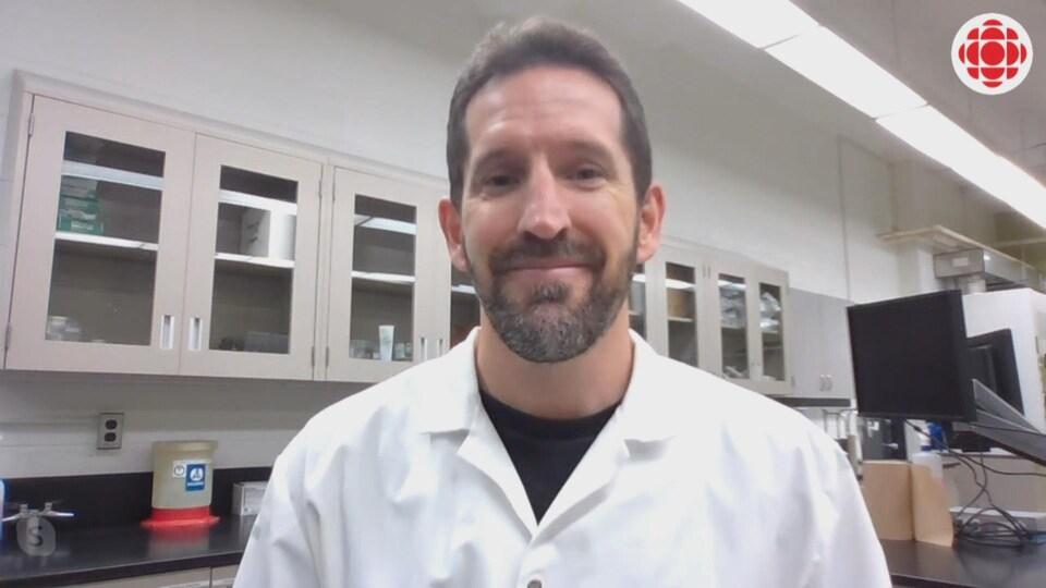 Patrick Fillion, microbiologiste.