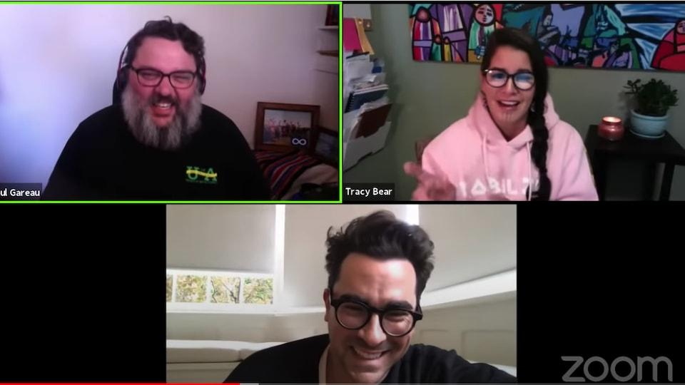 Les professeurs et Dan Levy rient lors de leur rencontre sur la plateforme virtuelle Zoom.