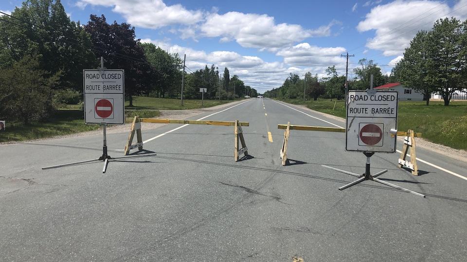 L'incident s'est produit dans un domicile situé sur la route 425 à Boom Road, près de la Première Nation de Metepenagiag. La route était fermée à la circulation samedi.