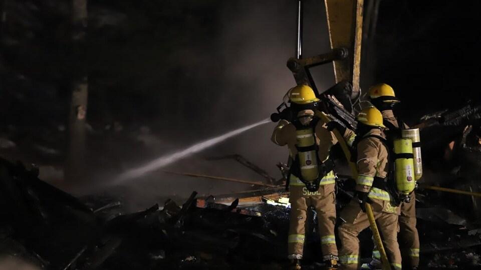 Une résidence de Sainte-Brigitte-de-Laval a été ravagée par les flammes.