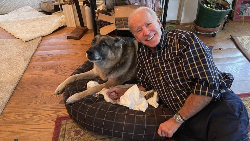 Joe Biden et son chien Major.
