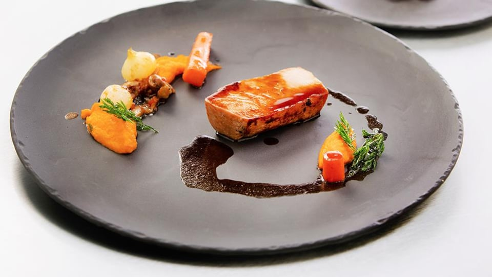 Longe de porc et déclinaisons de carottes.