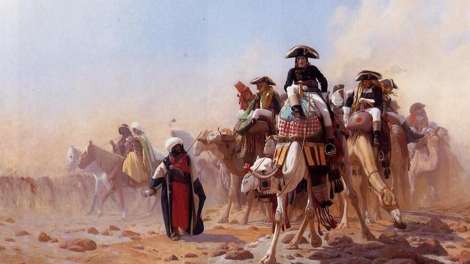 Un tableau avec Napoléon et ses troupes sur des chevaux et chameaux.