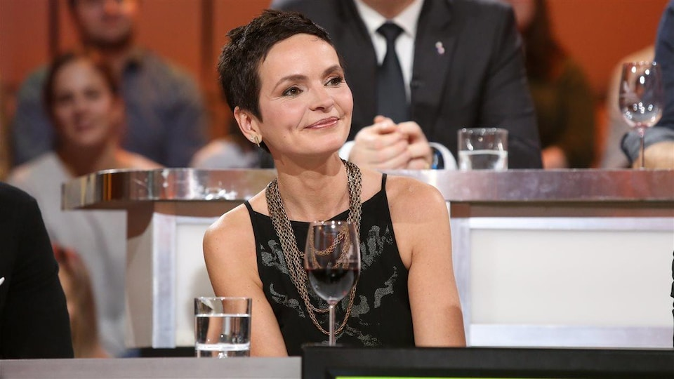 Anais Barbeau-Lavalette sur le plateau de Tout le monde en parle en 2017.
