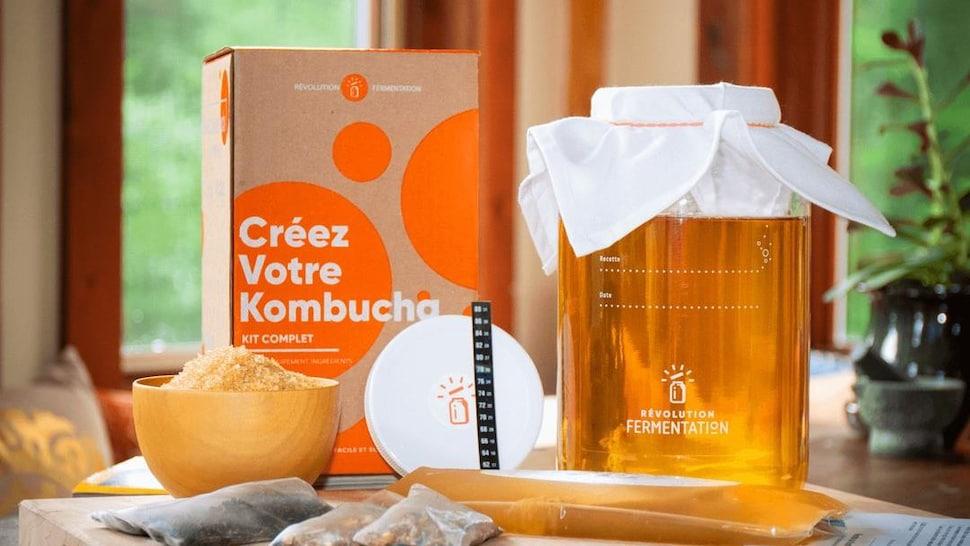 Ensemble de fabrication de kombucha à la maison.