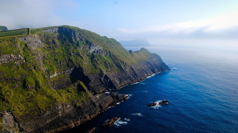 Paysage côtier d'Irlande.