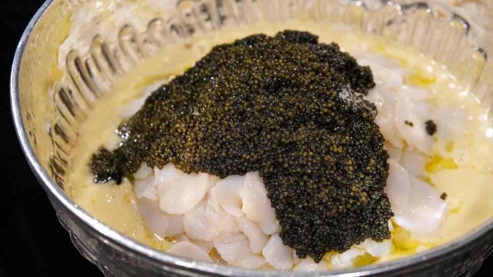 La coupe Stanley avec des patates de l'île d'Orléans, des pétoncles de la baie de Fundy et du caviar sauvage du lac St-Pierre.