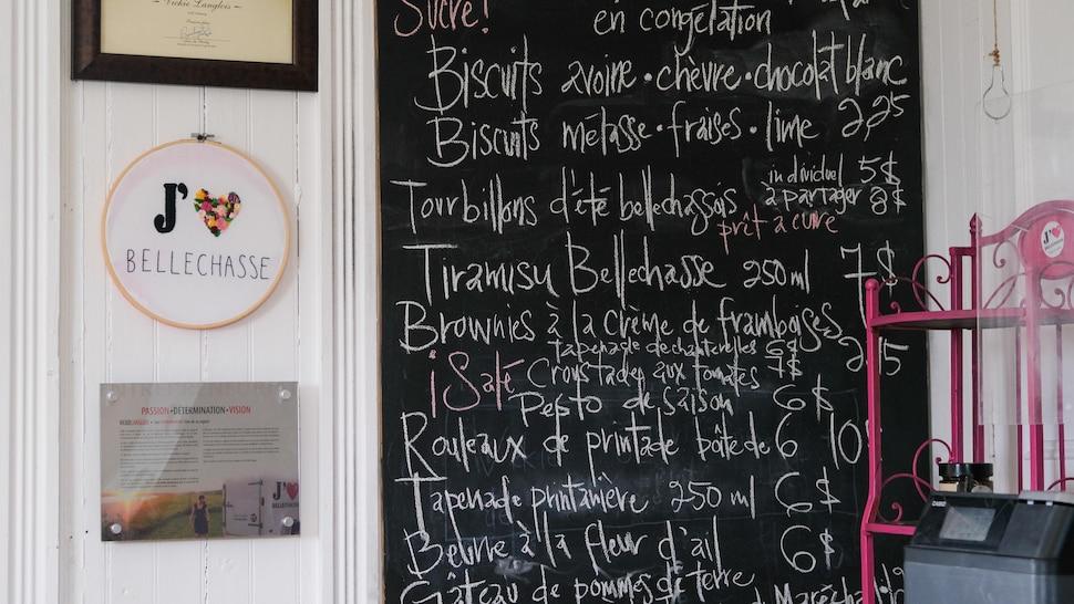 Un menu sur tableau noir.