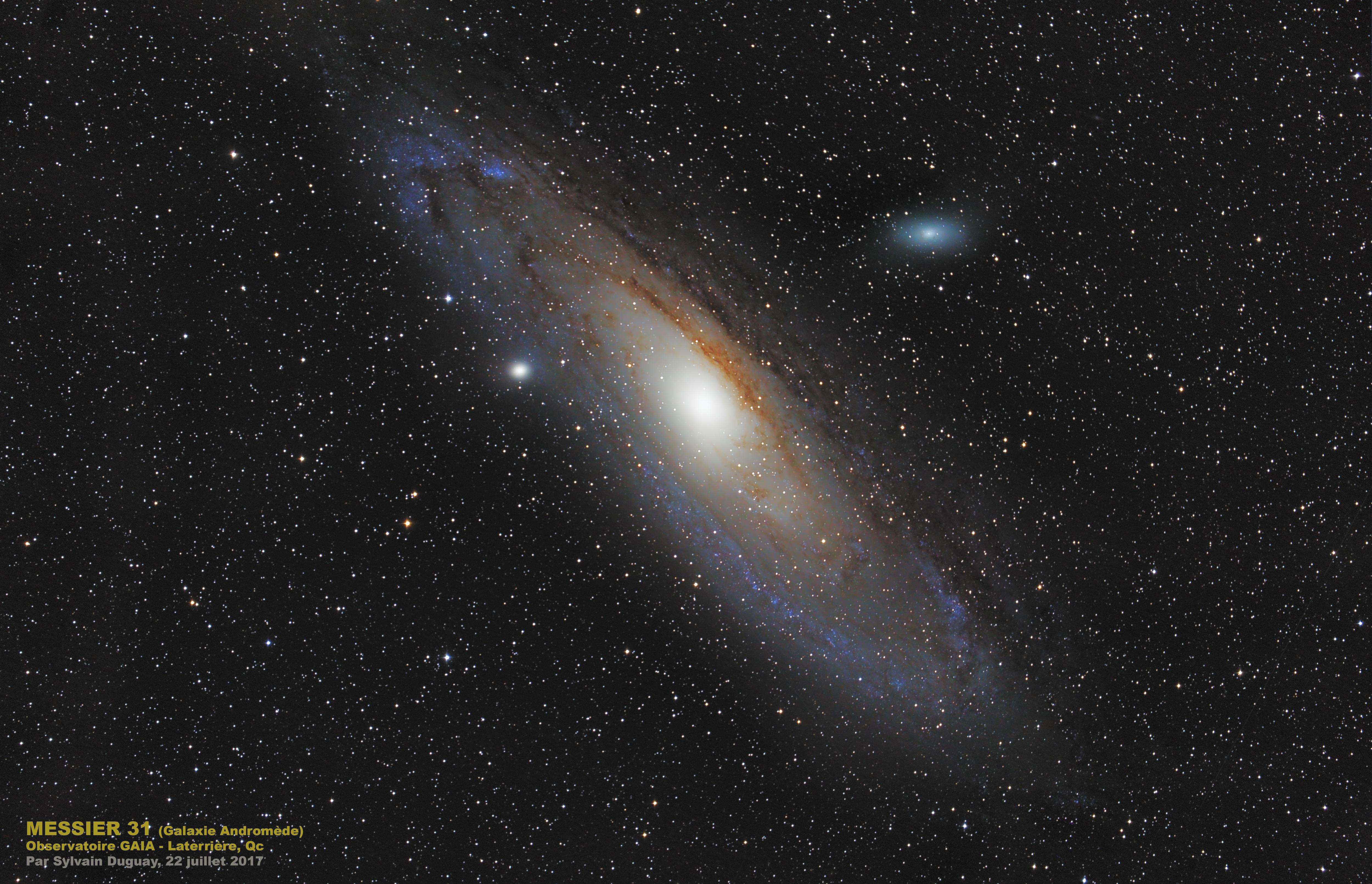 La galaxie au centre d'étoiles