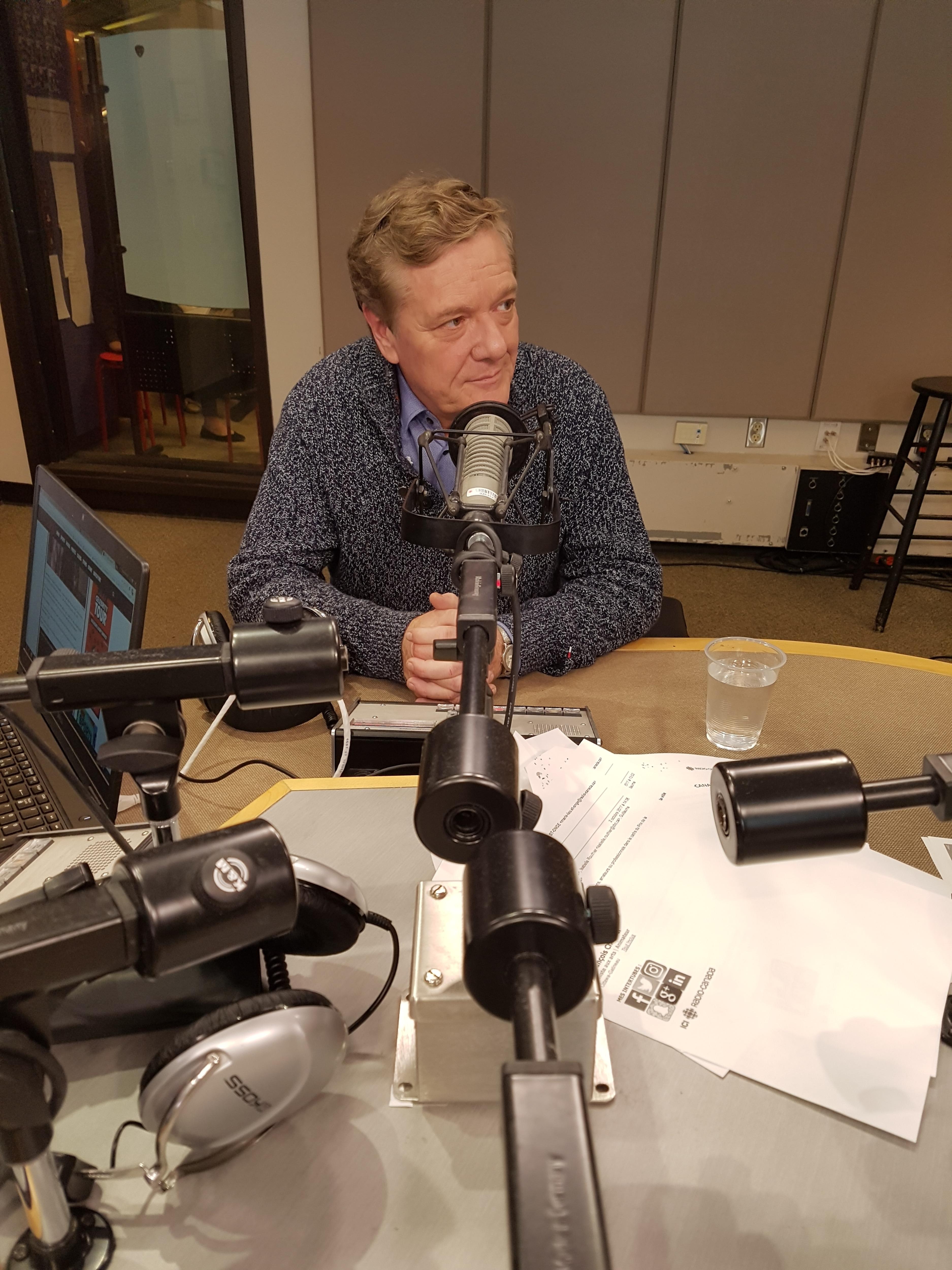 Benoît Pelletier dans le studio de Sur le vif à Ottawa