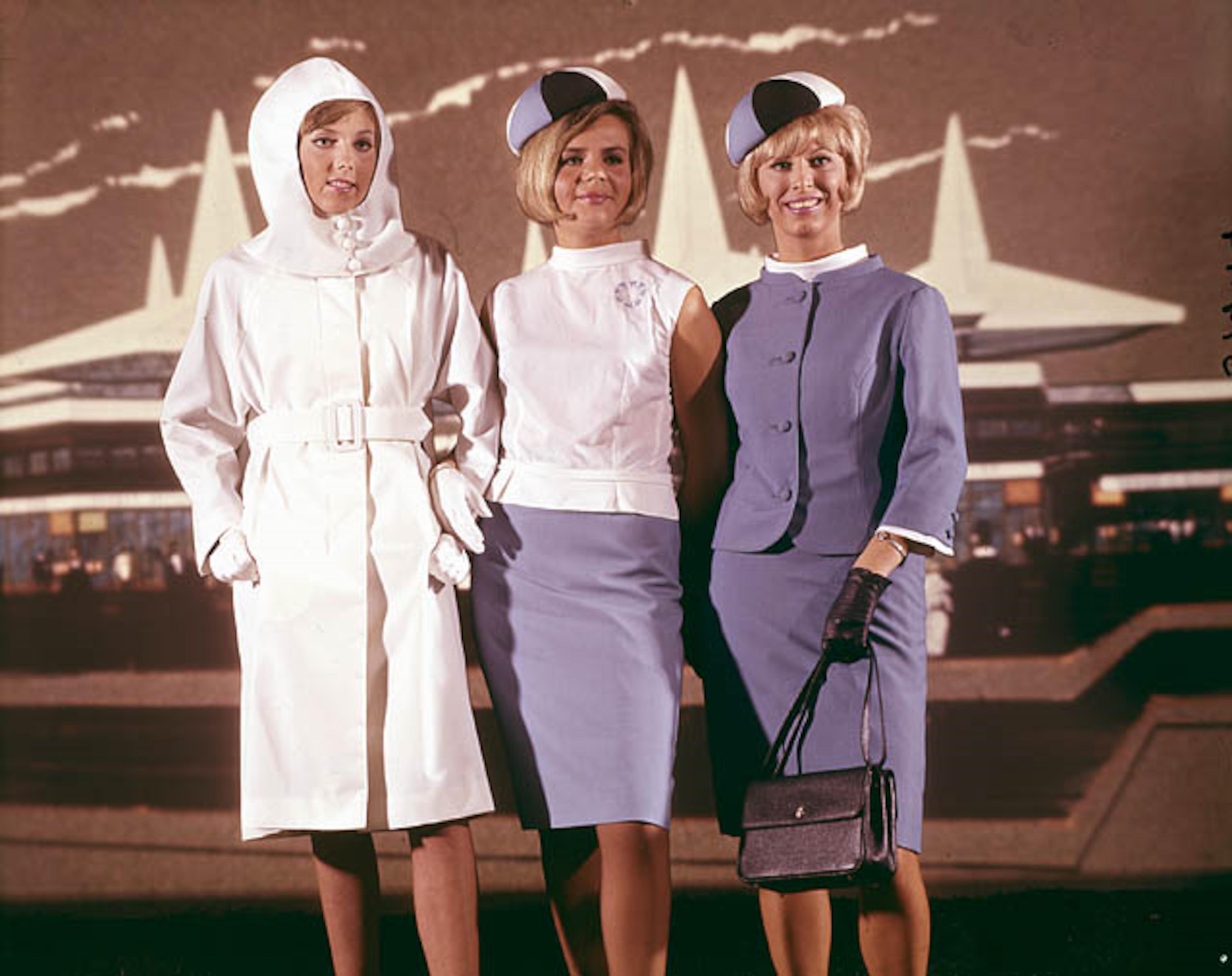 Les uniformes des hôtesses d'Expo 67, signés Michel Robichaud