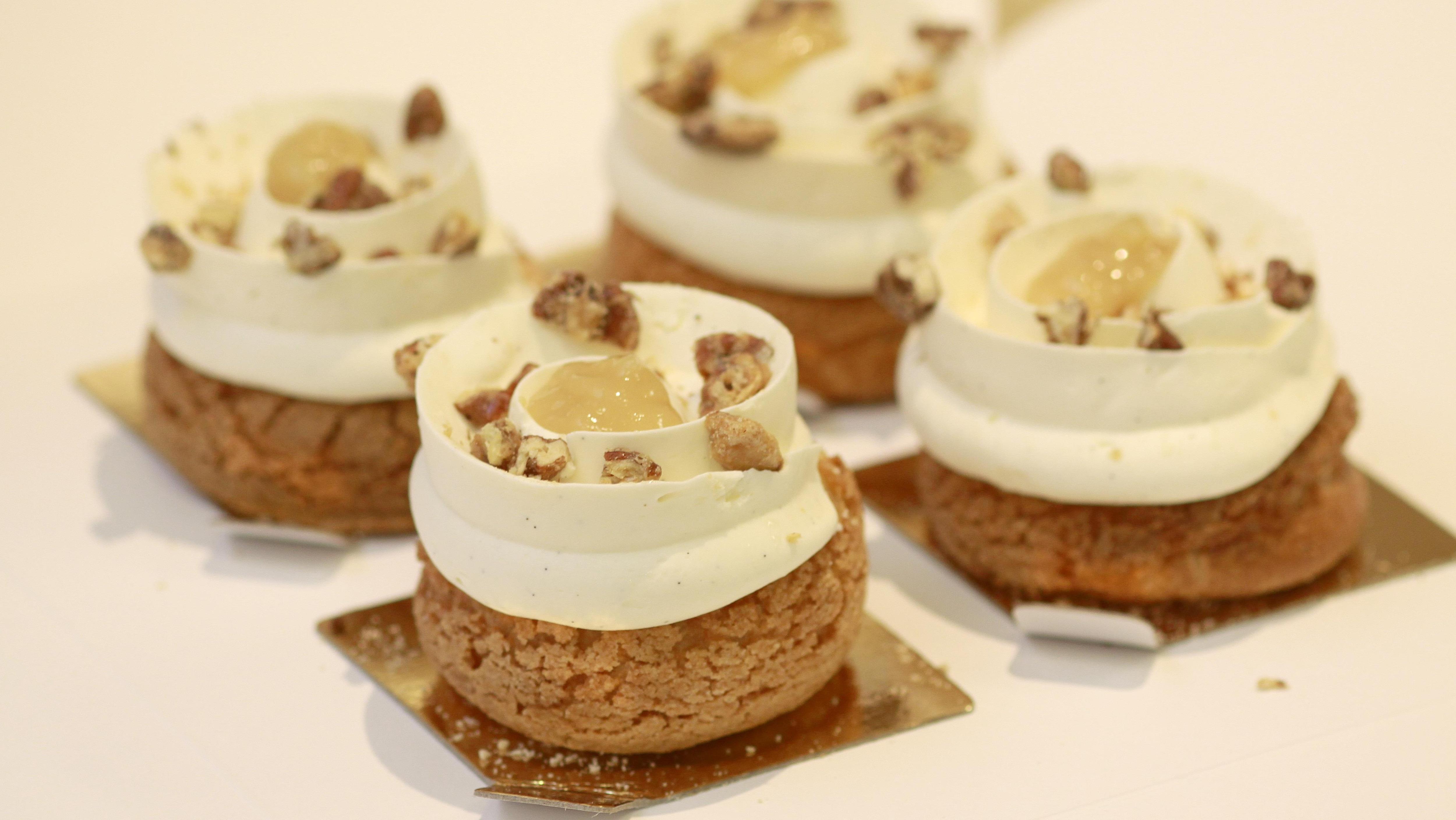 Choux à l'érable et aux poires caramélisées du pâtissier Olivier Potier