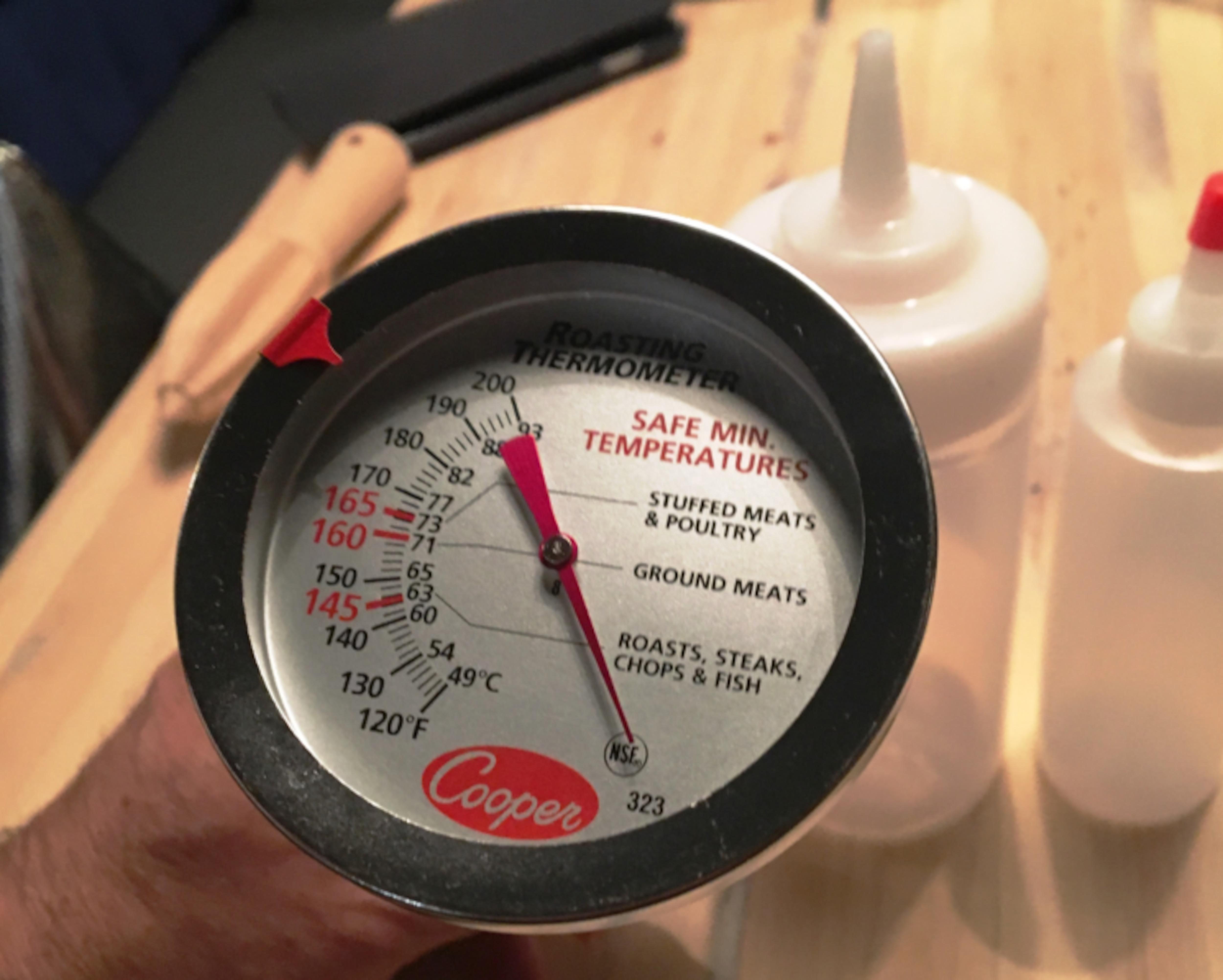 Un thermomètre à viande