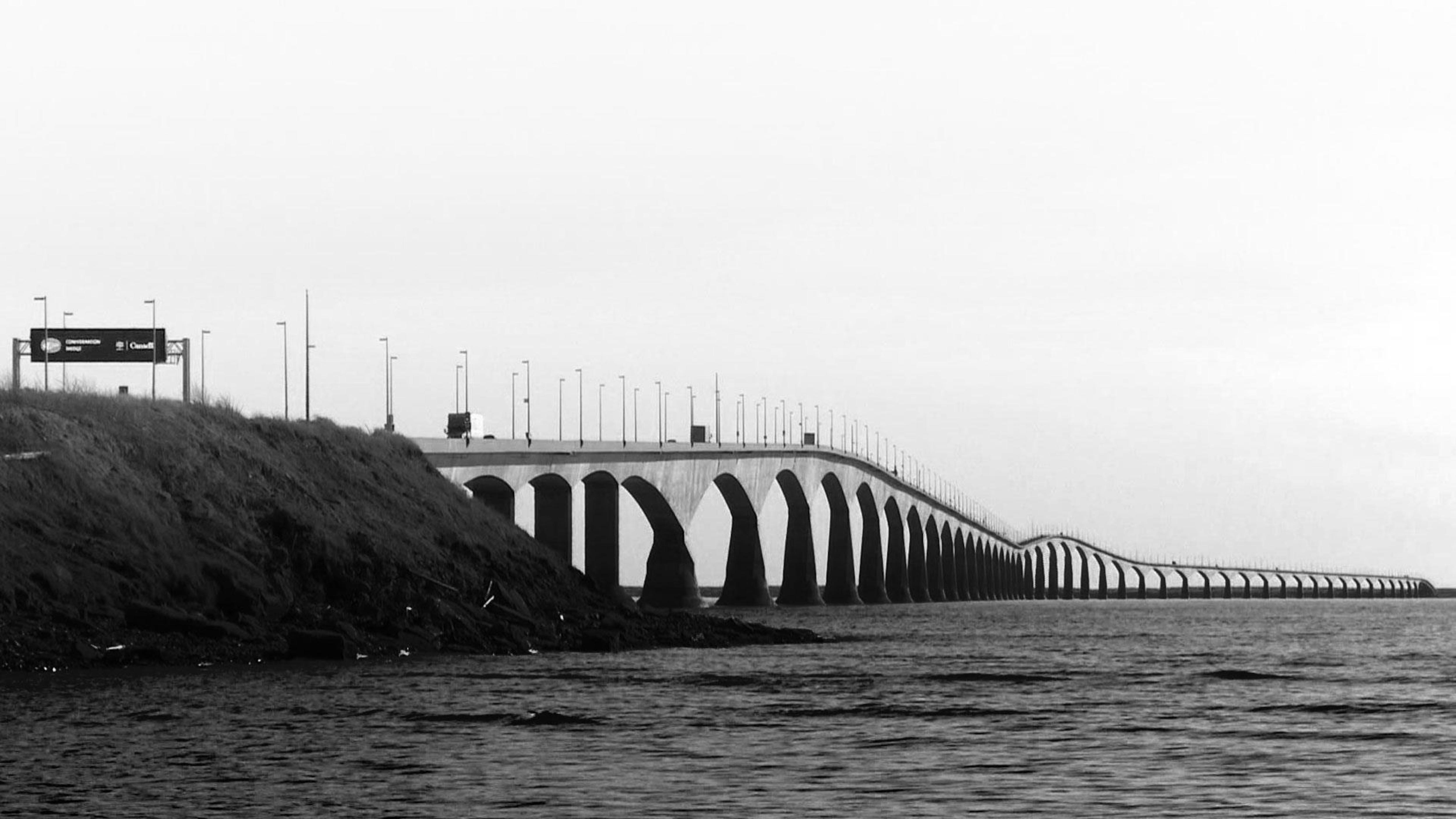 Connexions : les 20 ans du pont de la Confédération