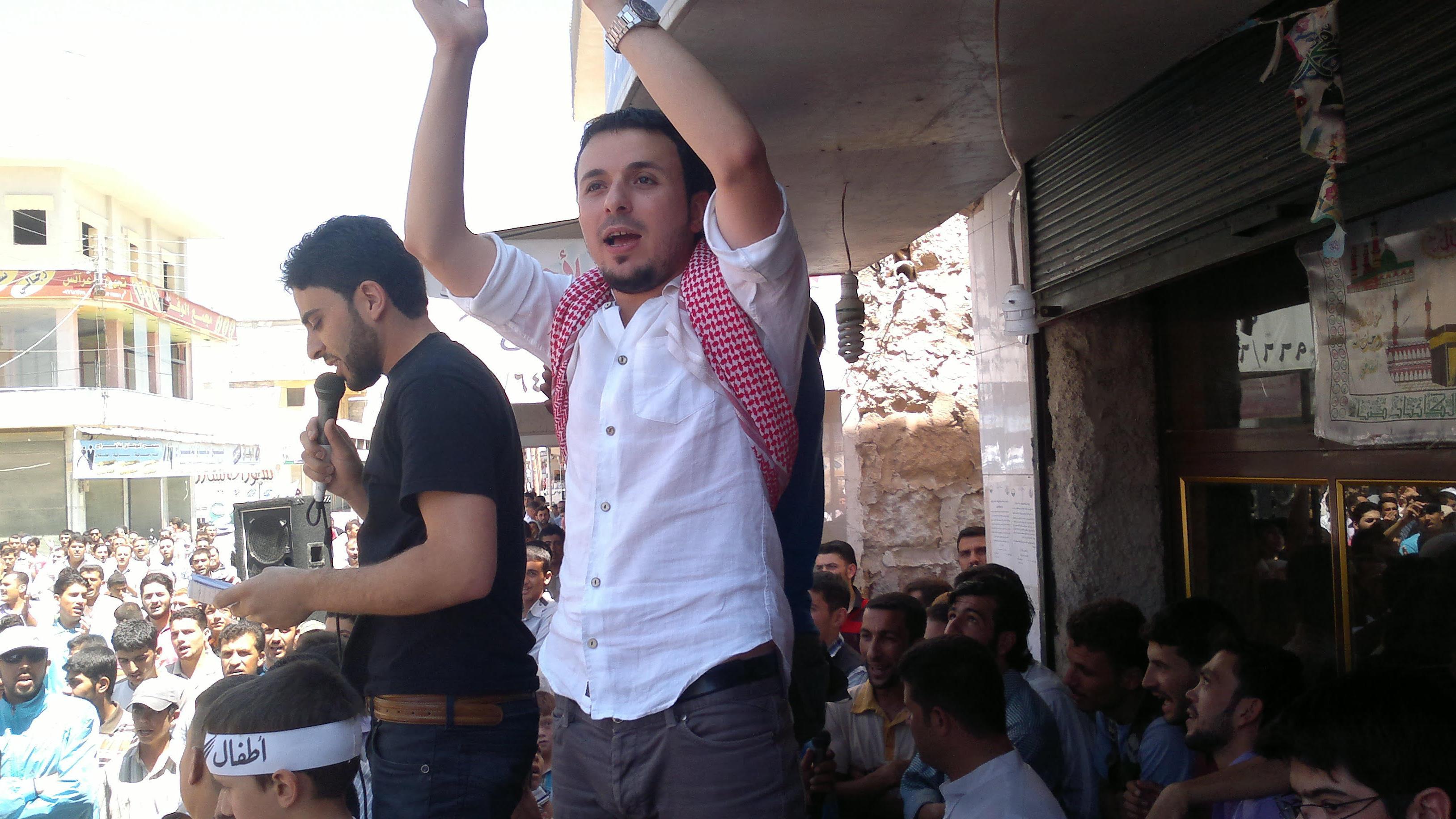 Abdelmajeed Barakat lors d'une manifestation contre le régime syrien