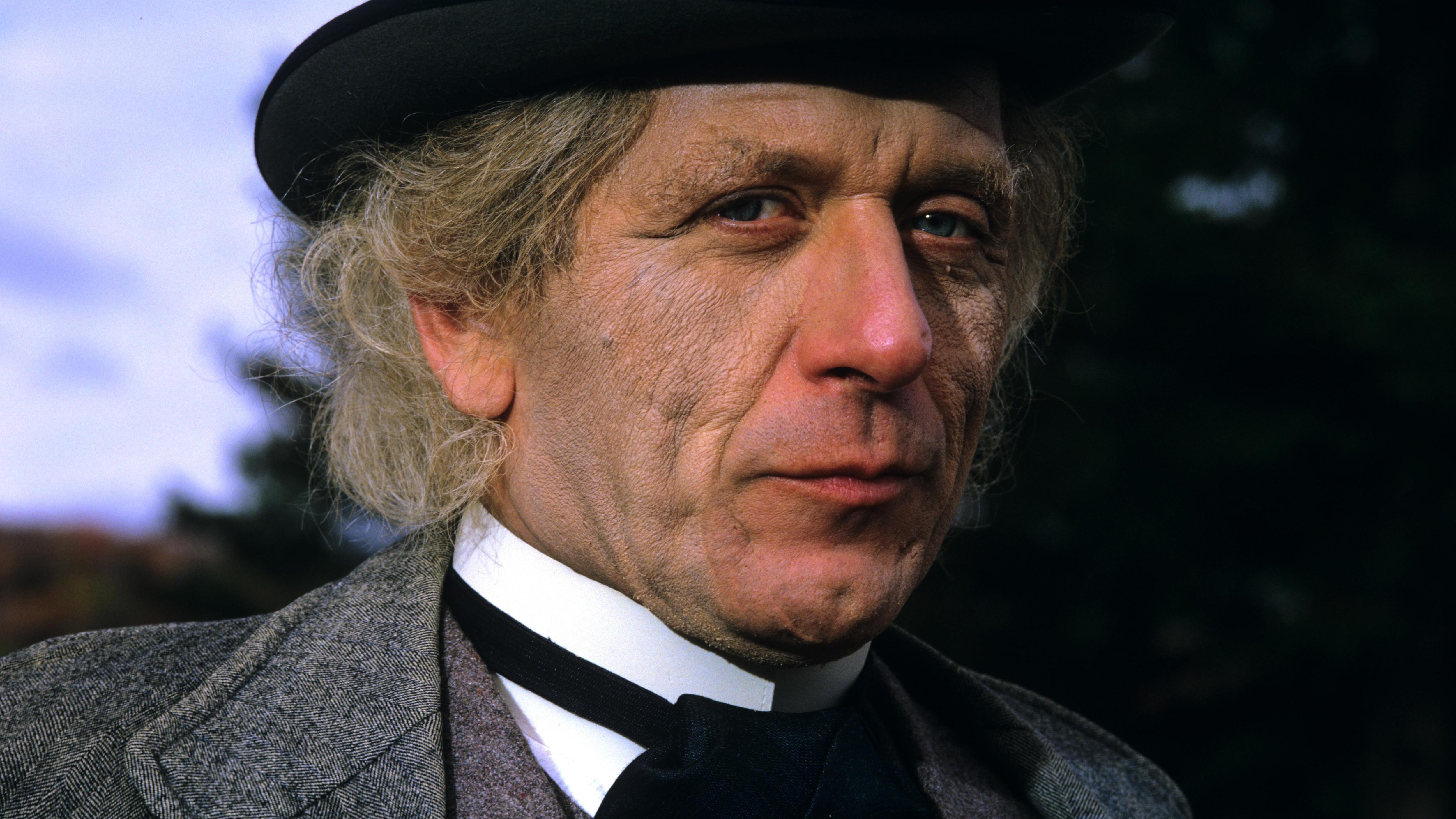 Albert Millaire est devenu Wilfrid Laurier dans la série télé Laurier.