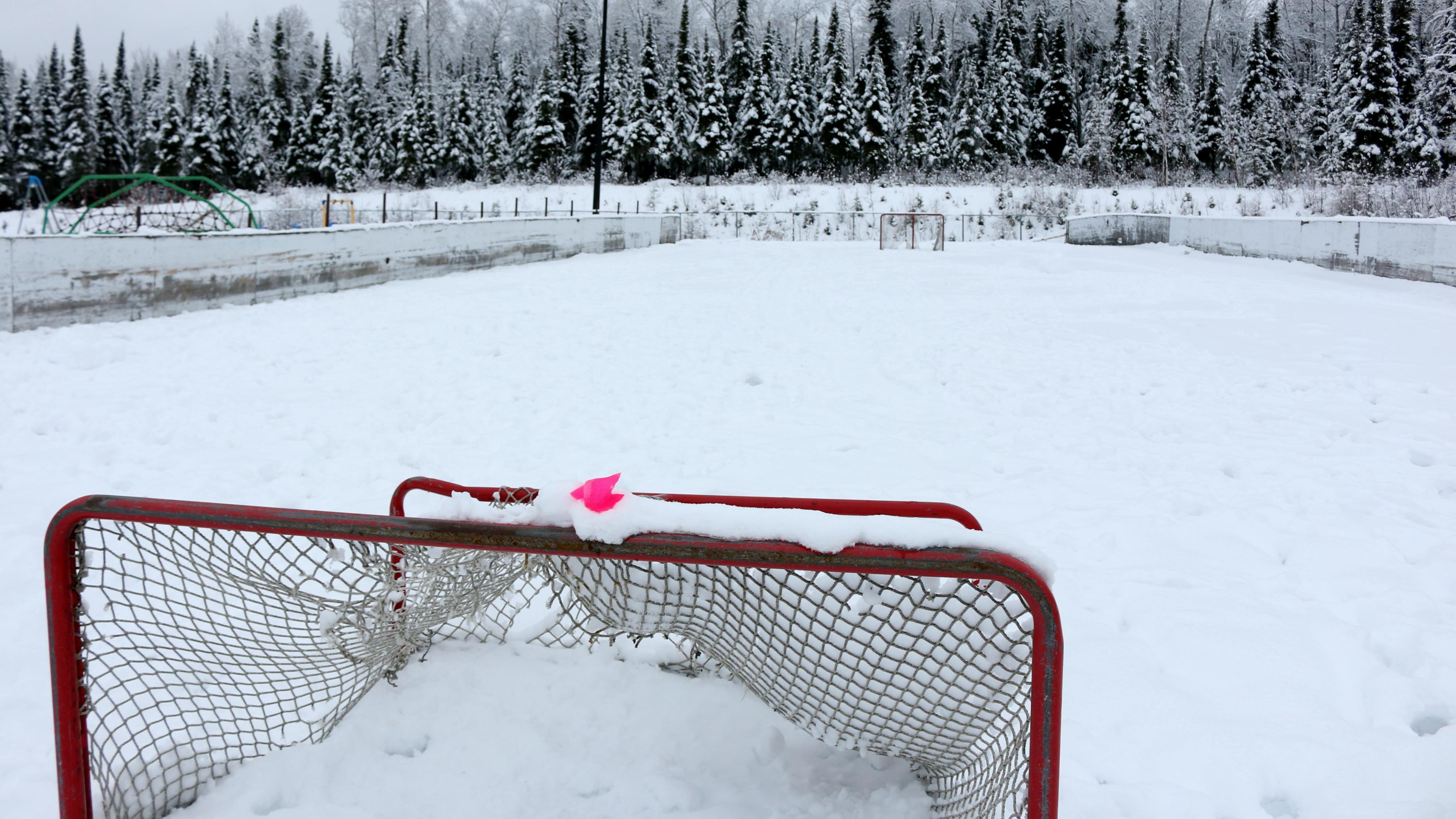 Une des deux patinoires de la communauté de Lac-Simon.