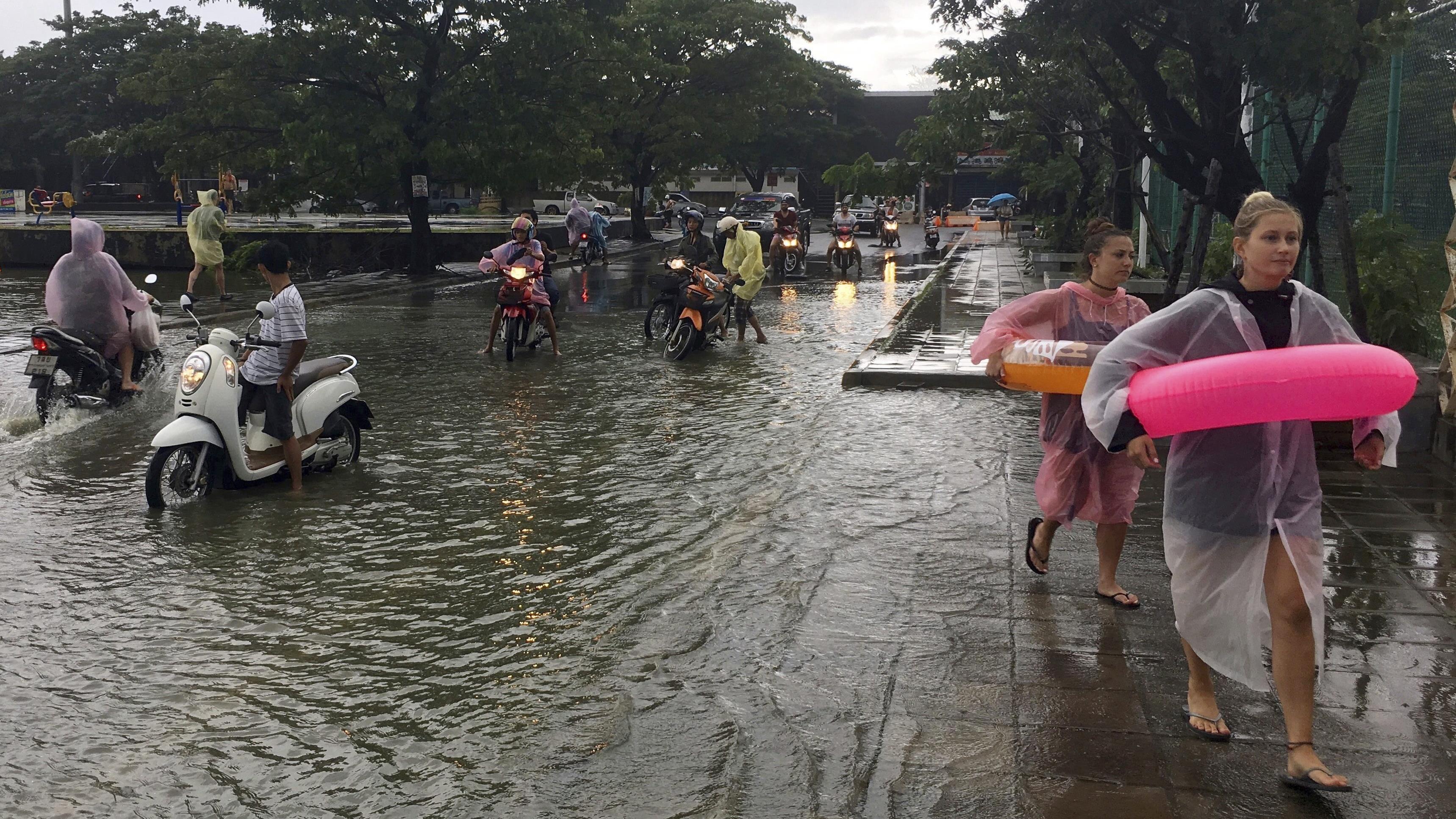 urgent rdc 30 morts dans des inondations dans l 39 ouest du pays alvinet. Black Bedroom Furniture Sets. Home Design Ideas